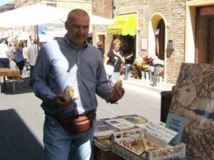 aglione in mano di Sergio