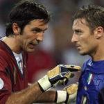 Italian goalkeeper Gianluigi Buffon (L)