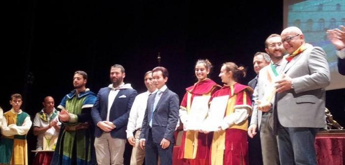 Montepulciano: premiazioni durante la chiusura dell'anno contradaiolo