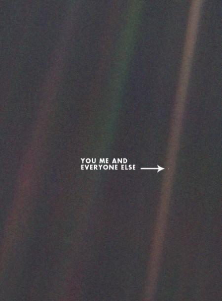 Il nostro pianeta, la Terra, fotografata dalla sonda spaziale Voyager 1 nel 1990, quando si trovava a 6 milioni di chilometri di distanza.