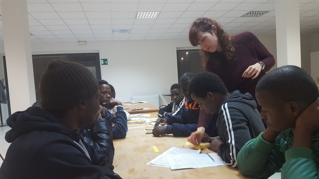 Durante i corsi, i ragazzi imparano la lingua e la cultura italiana
