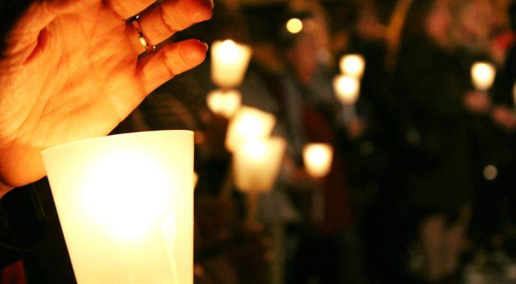 Scarpette Rosse – Ricordare le vittime di violenza di genere per combatterla