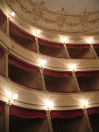 teatro verdi cinema monte san savino